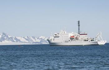 Akademik Sergey Vavilov Poolepyntyn Spitsbergen High Arctic Alex Burridge