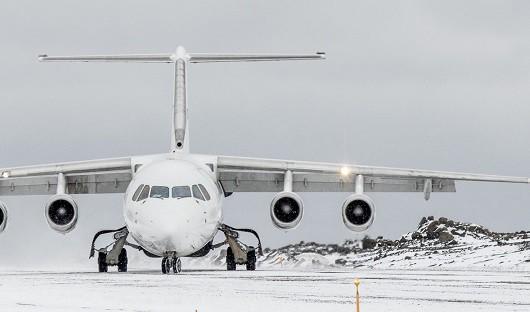 Antarctica-XXI-flight-arriving-King-George-Island-for-Hebridean-Sky-and-Ocean-Nova