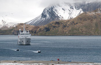 expedition-cruising-south-georgia-stromness