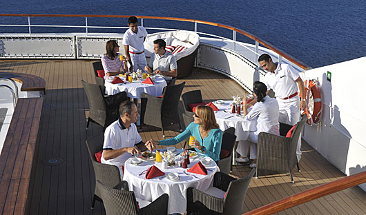 L'Austral and Le Boreal Outdoor Dining