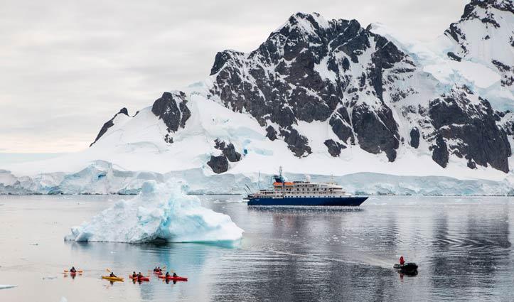 sea-spirit-antractic-peninsula-kayakers