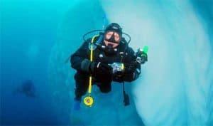 scuba-diving Greg Mortimer