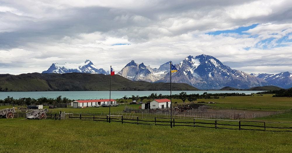 Torres-del-Paine,-Region-de-Magellanes-y-de-la-Antarctica,-Chile-by-Ian-Kemp