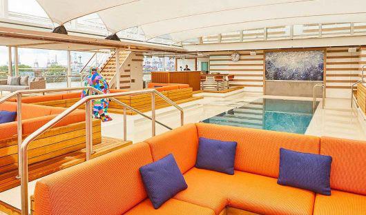 Hanseatic Inspiration, Pool Bar