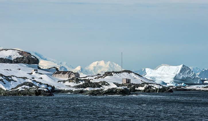 Detaille Island